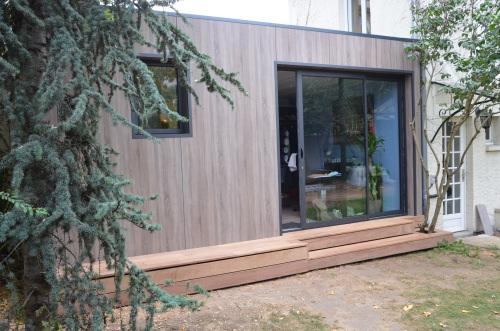 Construction abri de jardin en bois pour cr er bureau for Club piscine cabanon