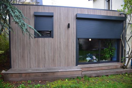 chalet en bois ile de france. Black Bedroom Furniture Sets. Home Design Ideas